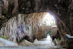 Scalinata ingresso Madonna della Grotta