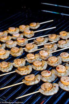 Hiidenuhman keittiössä I Foods, Sausage, Grilling, Meat, Blog, Sausages, Crickets, Blogging, Chinese Sausage