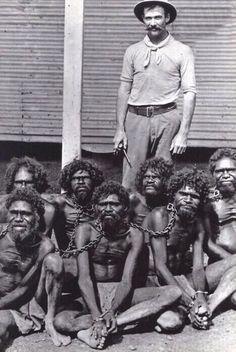 """В Австралии до 1960-х гг. в соответствии с """"Актом о флоре и фауне"""" аборигены считались животными, а не людьми и их численность фиксировалась в одном списке с кенгуру, попугаями и т.д."""
