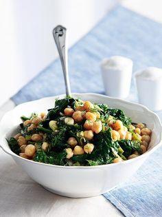 Chick peas and spinach salad Spinach Salad Recipes, Chickpea Salad Recipes, Gourmet Recipes, Cooking Recipes, Healthy Recipes, Greek Recipes, Light Recipes, Salad Bar, Nutritious Meals