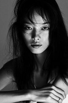 amy-ambrosio:    Fei Fei Sun by Txeman Yeste for Harper's Bazaar Spain, October 2015.