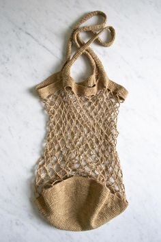 Linen Market Bag by Purl Soho - Single crochet and chain stitch makes the classic Euro shopping bagRate this post Crochet Market Tote Bag Free Pattern Ideas Linen Market Bag Easy Spiced Potato Chickpea Burrito for lunch, picnic or carry out. Free Crochet Bag, Crochet Shell Stitch, Crochet Market Bag, Knit Crochet, Crochet Bags, Crochet Clutch, Crochet Summer, Crochet Hooks, Crochet Handbags