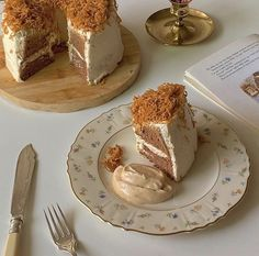 Pretty Cakes, Cute Cakes, Comida Picnic, Tasty, Yummy Food, Cute Desserts, Dessert Recipes, Aesthetic Food, Brown Aesthetic