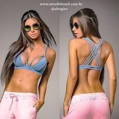 """Outro da coleção """"Esse TOP eu tenho que ter"""".  Top Indigo Trança Alto Giro.  Nos tamanhos P ou M. Corra e garanta o seu.  http://ift.tt/1PcILpP Whatsapp: 4191444587  #missfitbrasil #lifestylefitness #lindaatetreinando #amamostreinar  #bestrong #girlswholift #beautiful #altogirofitness #fitnessmotivation #girlswithmuscles #fitness #fitnesswear #gymlovers #dedication #motivation #gymlife #fitgirl #gethealthy #healthychoice #fitmotivation #youcandoit #gymtime #mulheresquetreinam #trainhard…"""