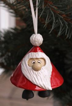 Excellent Cost-Free clay pottery ornaments Concepts Foto's Clay Art Projects, Ceramics Projects, Clay Crafts, Ceramic Christmas Decorations, Holiday Ornaments, Holiday Crafts, Christmas Clay, Christmas Projects, Pottery Handbuilding