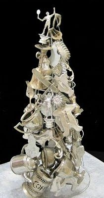 Silver Christmas Tree, using a metal tree form & salvaged silver plate, cookie cutters, tin moulds, etc. This is a great idea! Silver Christmas Tree, Unique Christmas Trees, Noel Christmas, All Things Christmas, White Christmas, Vintage Christmas, Christmas Crafts, Christmas Decorations, Christmas Ornaments