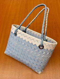 Paperbag Další vyrobený kousek a první, který si našel jinou majitelku. Ať vydrží a dělá radost