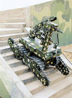 Chinese Army unveils new EOD robot