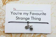 A segunda temporada de Stranger Things certamente foi uma das séries mais esperadas desse ano. Os nove episódios foram ao ar na Netflix no dia