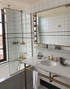 Dream Apartment, Apartment Design, Dream Home Design, My Dream Home, Deco Paris, Aesthetic Bedroom, Bathroom Interior Design, My New Room, House Rooms
