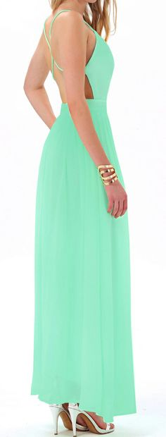 I just LOVE the way this dress captures the TRUE neon mint color it looks fabtablous!!