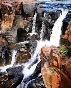 Blyde River Canyon Nature Reserve is one of the world's largest canyons and one of South Africas most outstanding natural sights. Hiking Spots, Nature Reserve, Where To Go, Worlds Largest, South Africa, Places To Visit, River, Island, Waterfalls