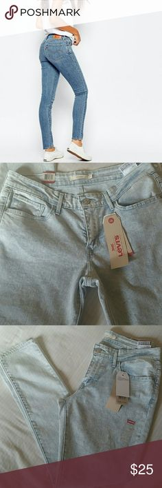 """Levi's 711 skinny jeans. Super soft,perfect fit,blue light wash color,32""""inseam, some strech,hiper comfy and amaizing look. 89%cotton, 9% polyester, 2% elastane. Size 31,in levis size chart is size 12. New!(pic 1 is just a suggestion how can wear ). Levi's Jeans Skinny"""