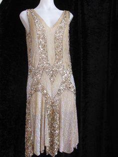 TRUE VTG 1920S ART DECO DESIGN IRIDESCENT & SILVER SEQUINED FLAPPER DRESS