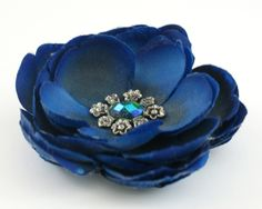 Brooches – Flower brooch – a unique product by LolaWhite on DaWanda