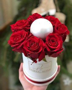 Red Roses Christmas Flower Box Christmas Ball  Mini Roses Box Secret Bloom Boxes Luxury Roses