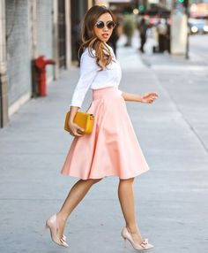 Chic And Girlish Rose Quartz Outfits For Spring