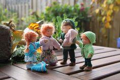 Custom Waldorf Dollhouse Doll Family. So cute! https://www.etsy.com/listing/169555590/custom-order-bendy-dollhouse-doll $114