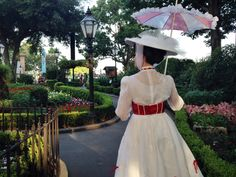 Mary poppins UK pavilion EPCOT  face character