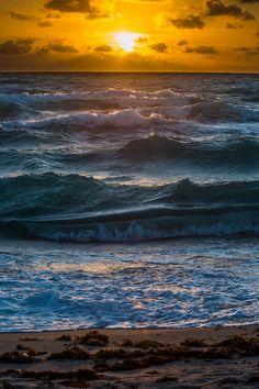 plasmatics-life:  Sea - Hollywood Beach, Florida | {byGeorgeOfTheGorge} | {Follow on Flickr}