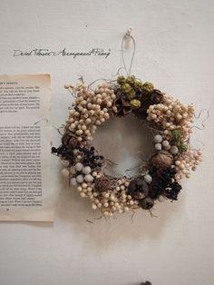 冬の実のキャンドルリース - ドライフラワーリース/プリザーブドフラワー/ウェルカムボード/ ウェルカムリース| Dried Flower Arrangement ''Peony'' ピオニー