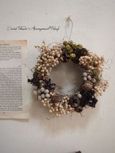 冬の実のキャンドルリース - ドライフラワーリース/プリザーブドフラワー/ウェルカムボード/ ウェルカムリース  Dried Flower Arrangement ''Peony'' ピオニー