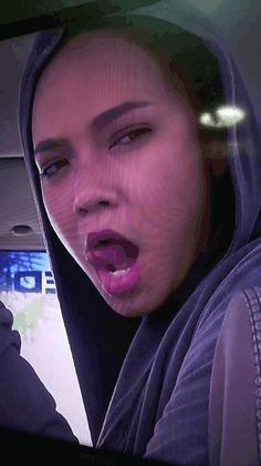 Siti Nurhaliza, Wallpaper Naruto Shippuden, Modern Hijab Fashion, Apple Wallpaper Iphone, Girl Hijab, Tight Dresses, Panda, Hot, Sexy