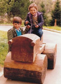 drveni traktor