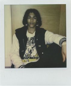 The Boy Who Doesn't Believe In Time. Leo Hoyte-Egan at Storm Model Management talks healing stones, drinking tea in the club, and the theory of time.  Instant analogue by Cecilie Harris.  http://www.boysbygirls.co.uk/index.php/stories/the-boy-who-didnt-believe-in-time