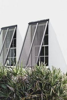 LEEM Wonen schreef een blog over outdoor shutters; een eigentijds en sfeervol product op het gebied van raamdecoratie. Shutters zijn hip!