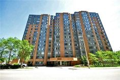 Renovated & Spacious 1 + 1 Bedroom In A Desirable Luxury Building In The Heart Of Mississauga. Huge Master Bedroom And Good Size Living Space. Walking Distance To Square One, Sheridan College, Central Library, Living Arts Centre, Ymca & Celebration Square. Close To School, Go, Public Transit & Hwy 401, 403 & Qew. Ample Visitor Parking. Great Amenities,  Pool , Whirlpool, Hot Tub, Sauna, Squash & Tennis Court, Library, Theatre & Party Room, Bbqs. **Rare Find Suite In A Well Managed Bldg…
