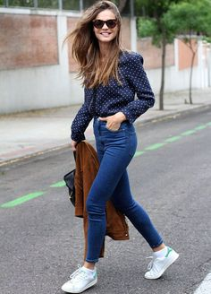 Look inverno.tenis-camisa-jeans