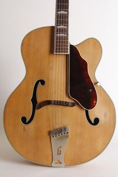 """COMMENTS THIS IS AN INCREDIBLE GUITAR! THIS ONE NEEDS A GOOD HOME, ITS IN GREAT SHAPE AND PLAYS VERY NICE. THE ACTION IS NICE AND COMFORTABLE. 17"""" BODY TRIPLE BOUND TOP, TONS OF CHARACTER! HANDED RIGHT. 
