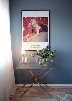 Styling-Petra-Tungården Wall Colors, House Colors, Interior Styling, Interior Design, Blue Rooms, Scandinavian Interior, Cool Wallpaper, Living Room Interior, Beautiful Interiors