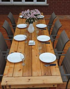 Exterior Patio Area Furniture for Great Houses – Outdoor Patio Decor Outdoor Wood Table, Wood Patio, Diy Outdoor Furniture, Diy Patio, Outdoor Dining, Rustic Furniture, Patio Ideas, Antique Furniture, Outdoor Harvest Table