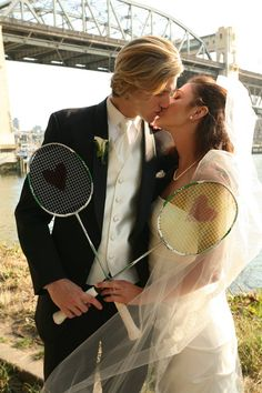 Wedding reception games and fun ♥♥ Badminton