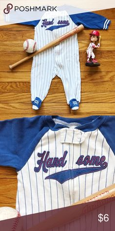 ⚾️ Sandlot Sleeper Vintage style baseball pinstripe footed sleeper for your handsome little future Big Leager. Full front zipper. A little bit dingy on the front from my crawler, but wouldn't call it stained...just not as crisply white as when it was new. VGUC. Carter's One Pieces Footies