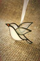 This stained glass bird is a great way to practice soldering. Stained Glass Ornaments, Stained Glass Birds, Stained Glass Christmas, Stained Glass Suncatchers, Stained Glass Crafts, Stained Glass Designs, Stained Glass Panels, Stained Glass Patterns, Leaded Glass