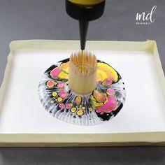 Acrylic Painting Techniques, Diy Painting, Pour Painting, Acrylic Pouring Art, Acrylic Art, Diy Resin Art, Diy Art, Diy Canvas Art, Kitchen Items