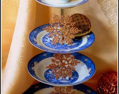 Etsy :: Your place to buy and sell all things handmade Three Tier Cake, 3 Tier Cake, Tiered Cakes, Emerald Green Decor, Patterned Cake, Willow Pattern, China Patterns, Tea Ceremony, Dog Bowls
