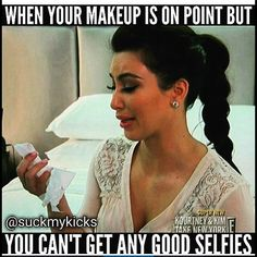 Here are 18 hilarious and funny makeup memes you will be able to relate with if makeup is a part of your life. Funny Makeup Memes, Makeup Humor, Makeup Quotes, Funny Memes, Funny Quotes, Hair Quotes, Life Quotes, Contour Brush, Makeup Brush Set