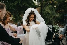 Long tulle bridal veil ideal for a romantic wedding