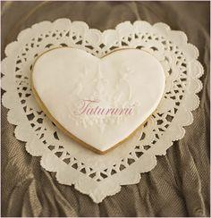 galletas boda #boda #wedding #corazón #reposteríacreativa #Candybar #heart #handmade #DIY #cookies #recordatorio #vintage #tutururú http://www.facebook.com/anatutururu