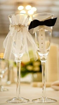 Adorable Wedding Champaign Glasses for the Bride Groom