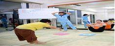 Elimina de la mente la idea de que el yoga es solo para adultos. Descubre cuales son los beneficios de la práctica del yoga entre los más pequeño.