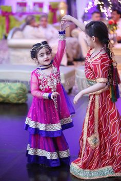 Are you looking for the best wedding sharara dress for your little girl? Here are the new styles of baby girls sharara dress designs 2019 for wedding. Wedding Dresses For Kids, Asian Wedding Dress, Dresses Kids Girl, Kids Outfits, Children Dress, Doll Dresses, Baby Dresses, Party Outfits, Wedding Outfits