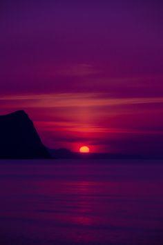 mystic-revelations:  sunset By momo taro