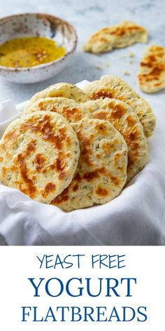 These NO YEAST Yogurt Flatbreads go with everything and are ready in under 30 minutes! If you love homemade bread, you will love this easy, healthy bread recipe that's made from fridge and pantry… Recipes With Naan Bread, Healthy Bread Recipes, Cooking Recipes, Recipes With Greek Yogurt, Greek Yogurt Bread, Easy Flatbread Recipes, Quick Flat Bread Recipe, Easy Naan Bread Recipe No Yeast, Diet Recipes
