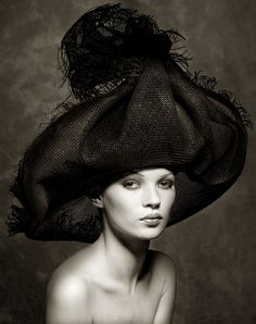 Kate Moss. Photo: Albert Watson.