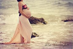 @Nicole Gridley, we must do a beach maternity shoot! :)
